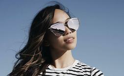WearMe Pro - Elegant Street Fashion Metal Frame Women Mirror